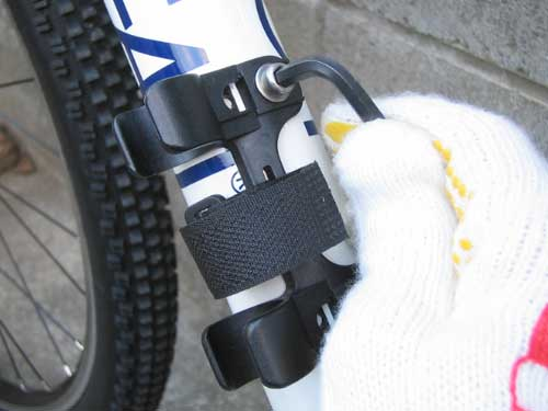 自転車の スポーツ自転車 空気入れ : 携帯用空気入れ ...