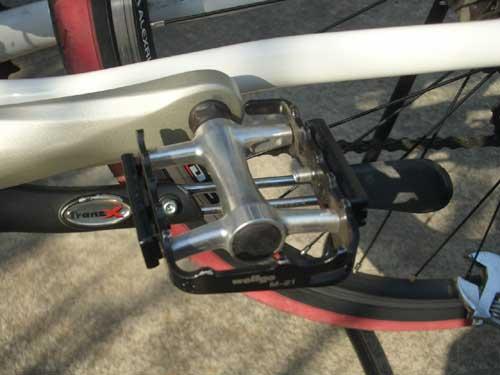 自転車のペダル交換 マウンテンバイクのペダルを、自分好みのペダルに交換して見ましょう!   自転