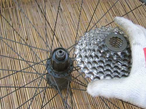 自転車の 自転車 ロックリング回し : ロックリング工具を ...